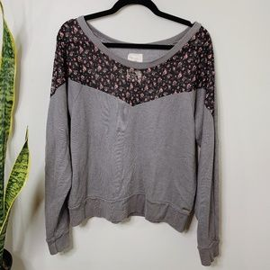 • ROXY • gray & black floral crewneck sweater